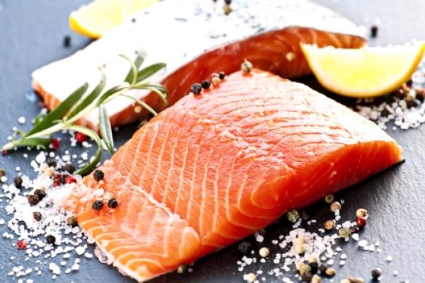 филе соленого лосося (форели)
